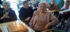Celebrando un cumpleaños en la Residencia San José