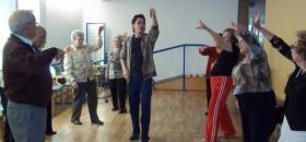 Taller de danza española en la Residencia San José de Burjassot